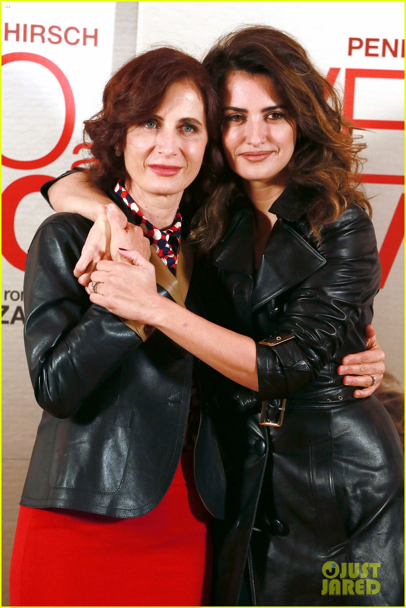 penelope cruz twice born rome photo call 14