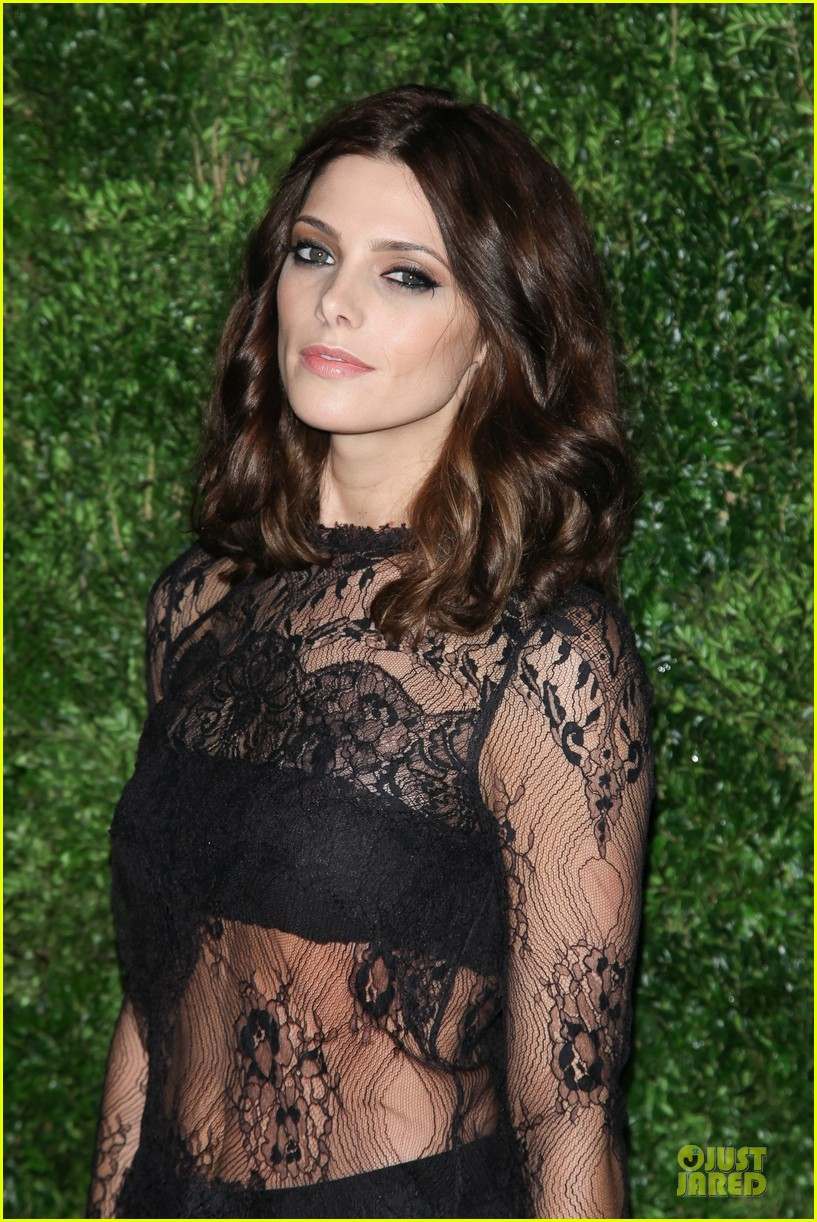 ashley greene dakota fanning cfda vogue fashion fund awards 09