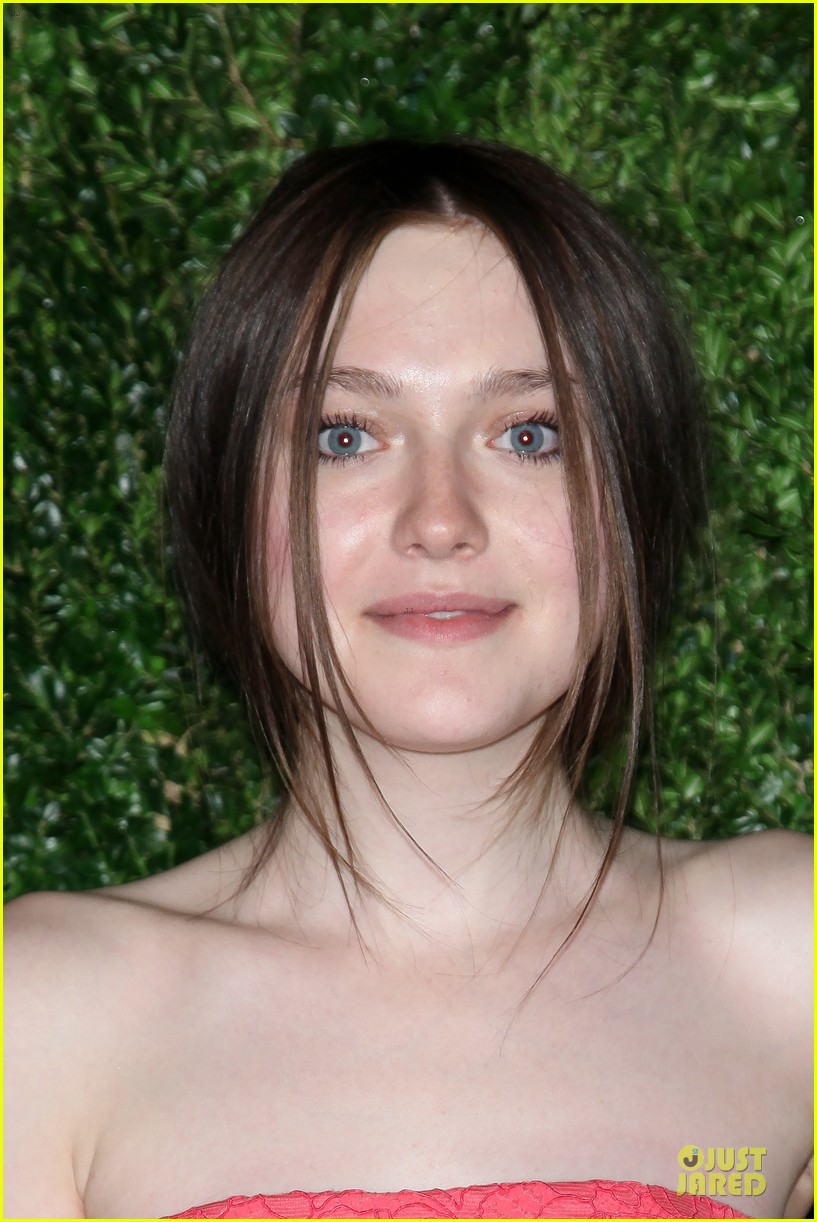 ashley greene dakota fanning cfda vogue fashion fund awards 15