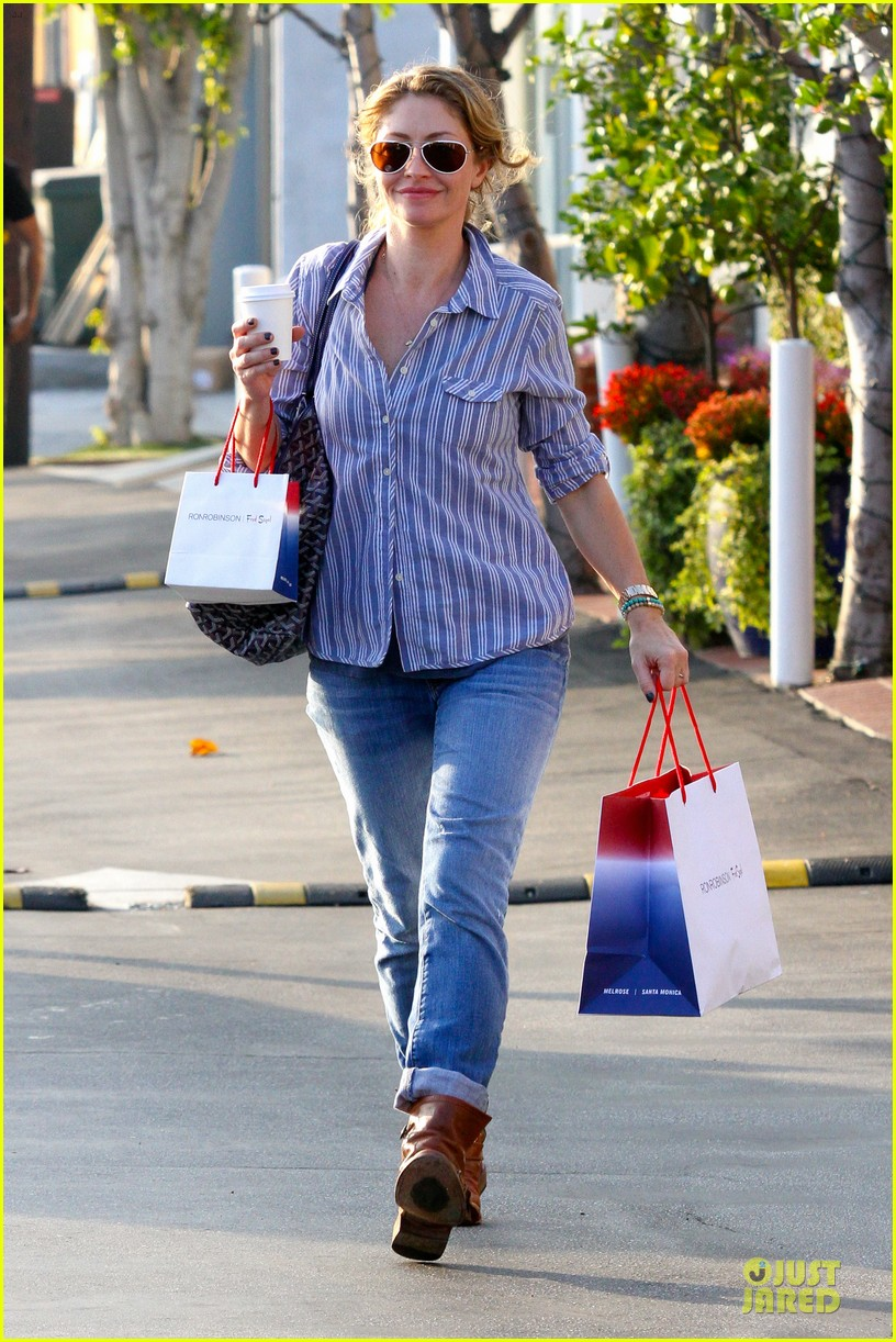 eric dane rebecca gayheart holiday shopping with billie 03