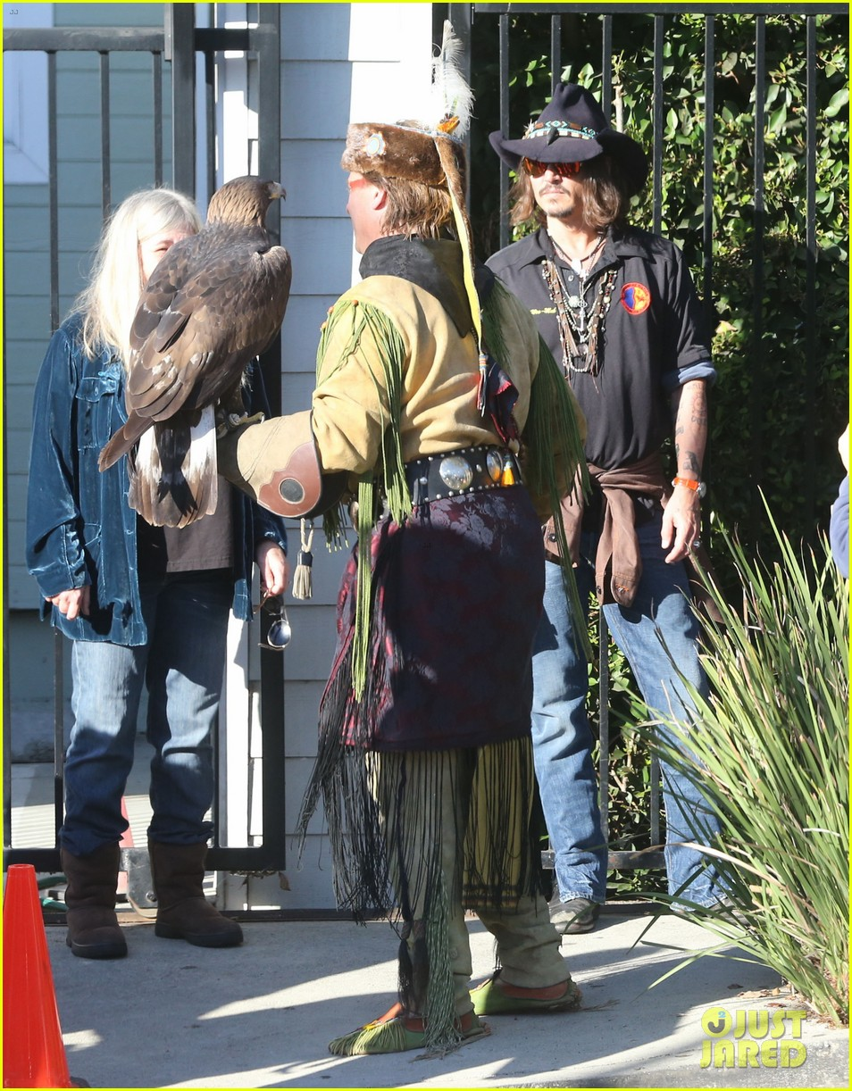 johnny depp plays daddy at school fundraiser 11
