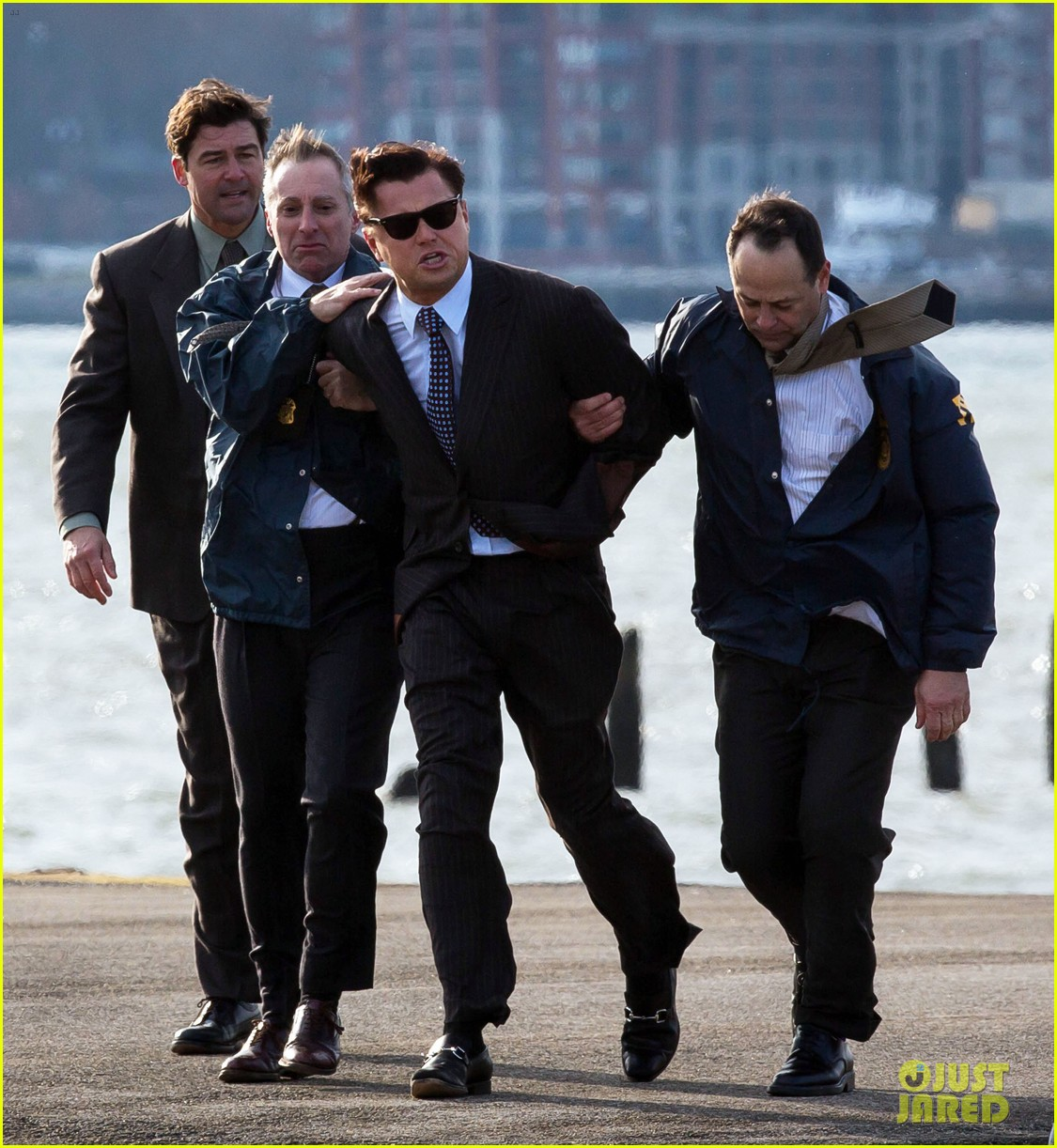 leonardo dicaprio arrested on wolf of wall street set 032765439