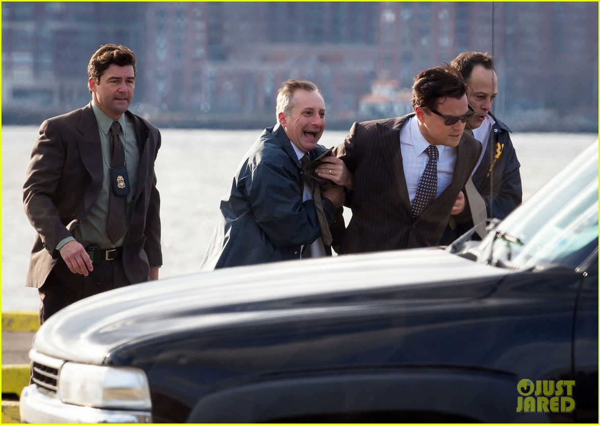 leonardo dicaprio arrested on wolf of wall street set 26