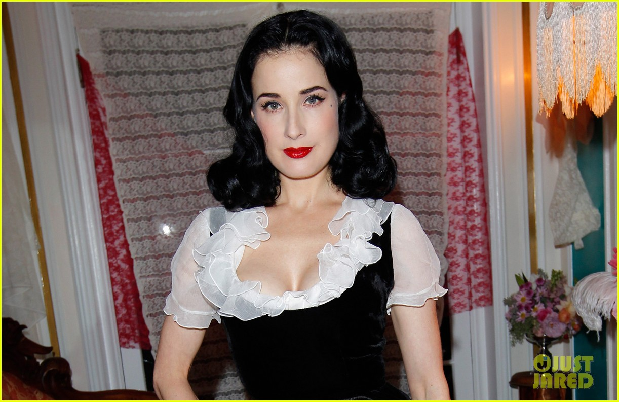 dita von teese jena malone the painted lady short film debut 04