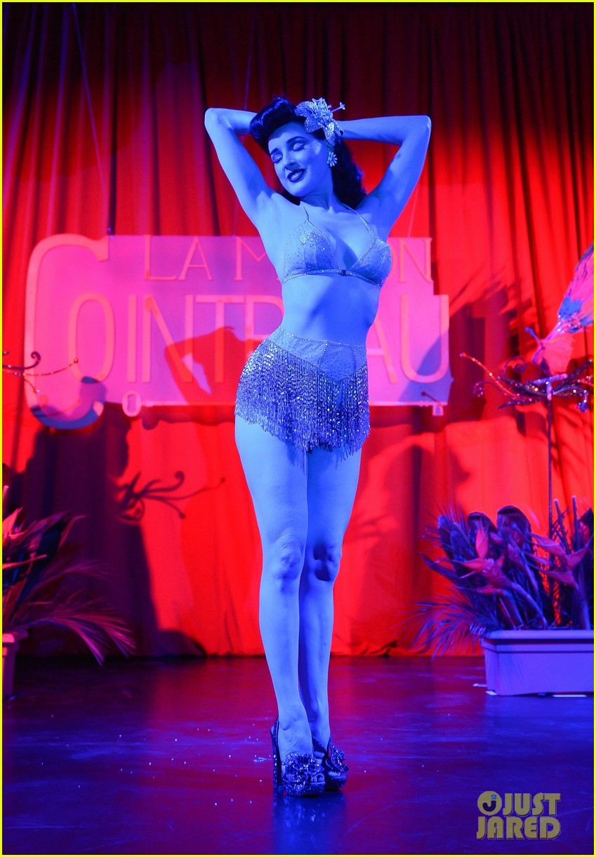dita von teese la maison cointreau burlesque performance 062758932