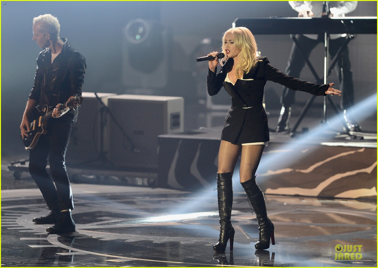 no doubt mtv emas performance watch now 10