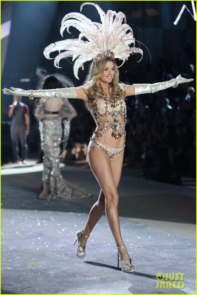 doutzen candice vsfw show 05
