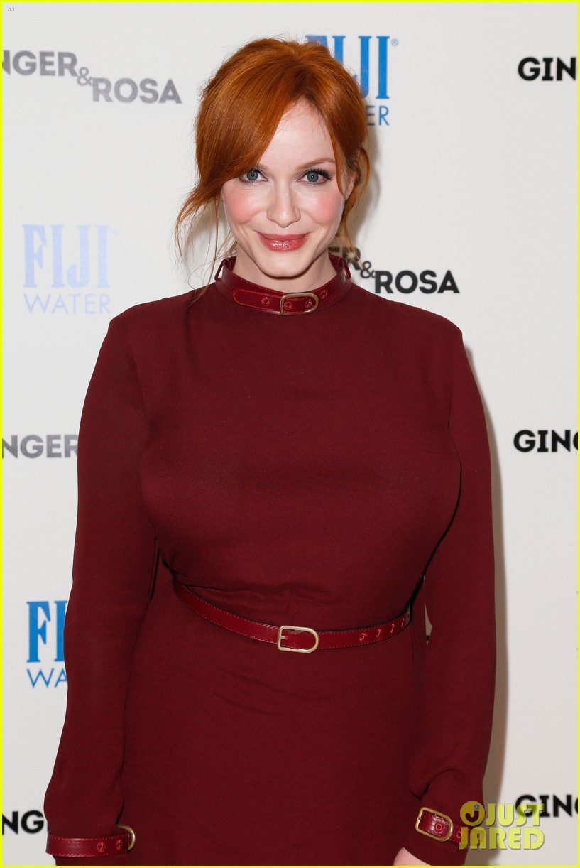 elle fanning ginger rosa screening with christina hendricks 06