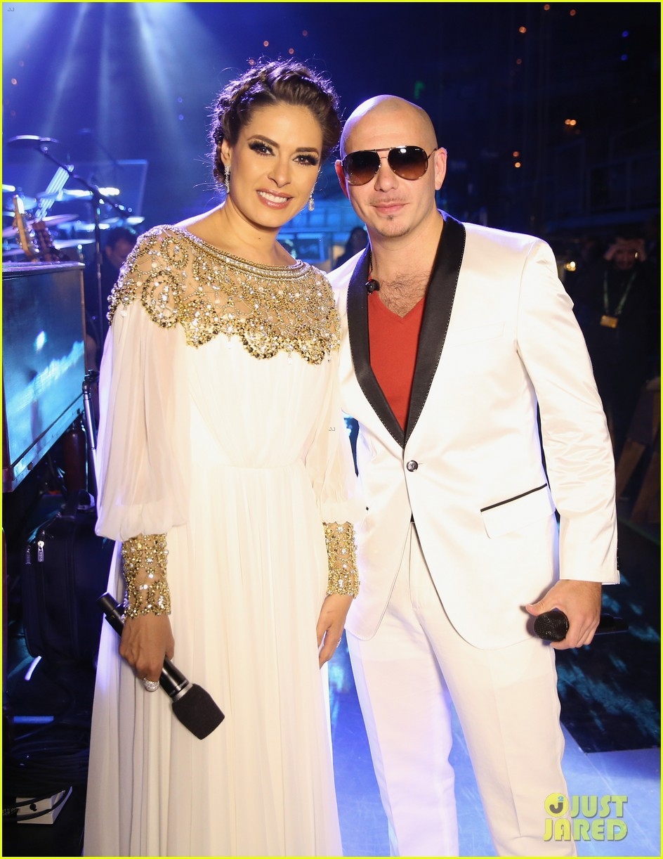 nelly furtado juanes latin grammy awards 2012 19
