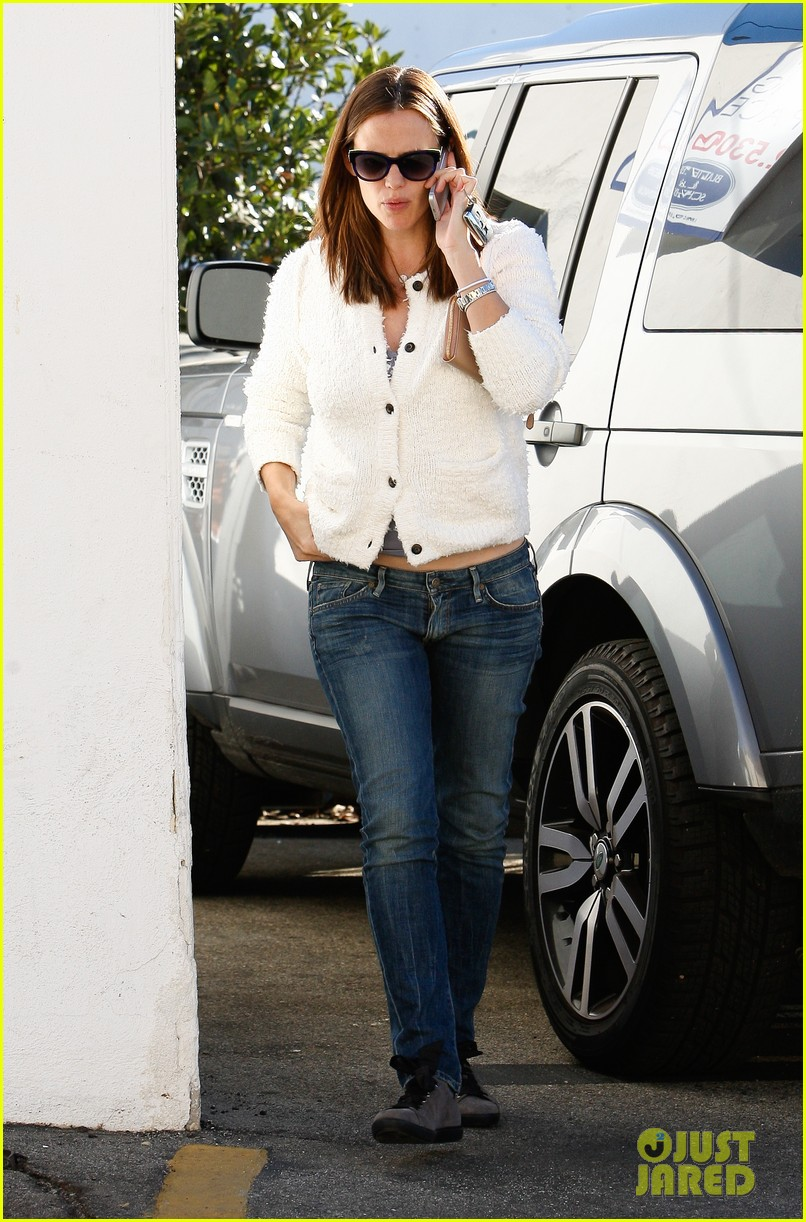 jennifer garner ice cream treat with violet seraphina 112751633
