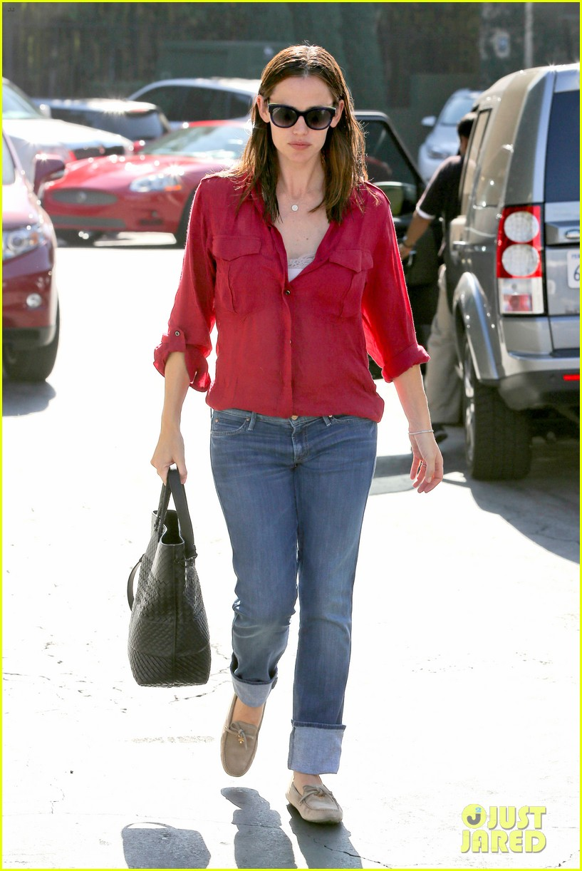 jennifer garner ben affleck family dinner in brentwood 012750645