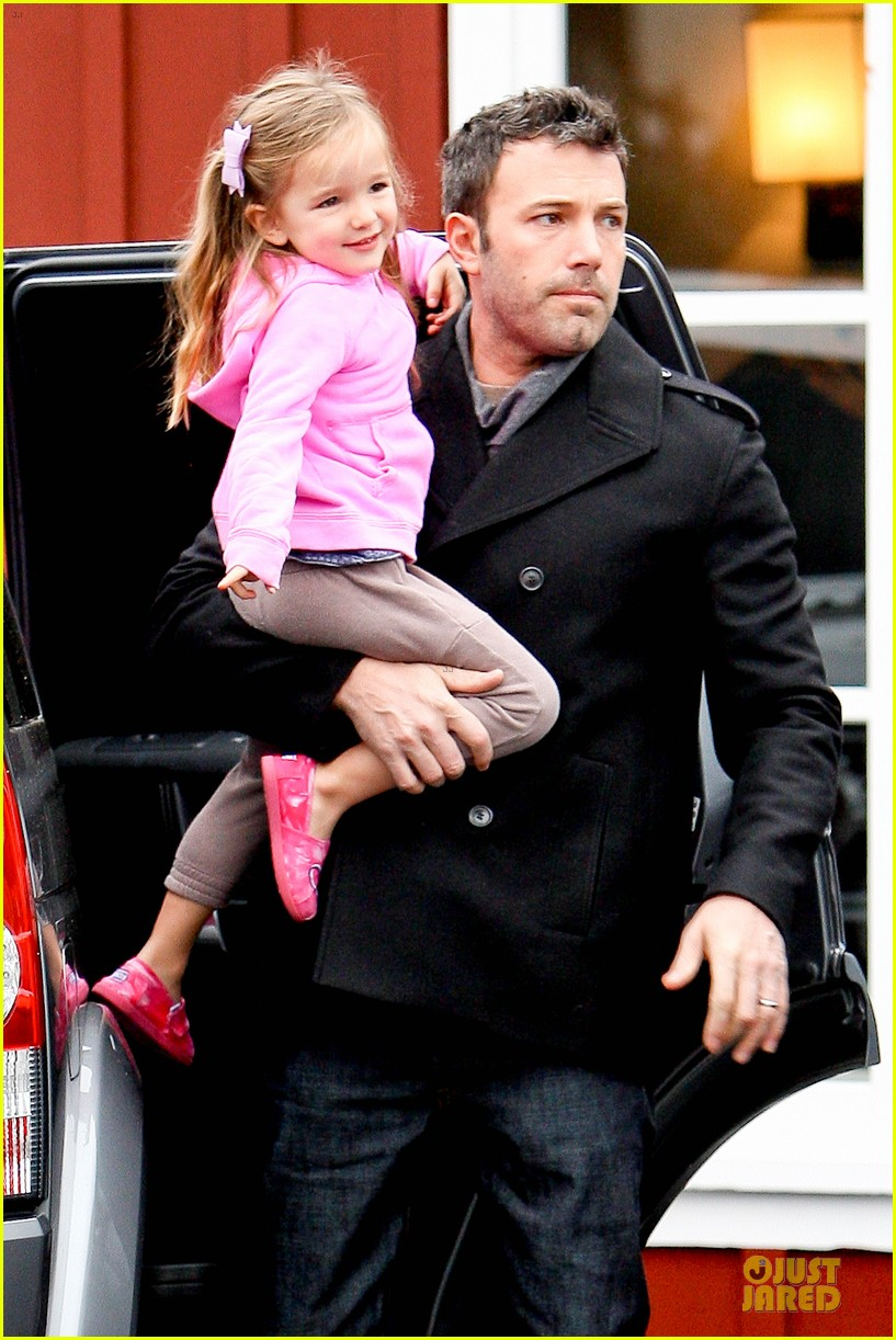 jennifer garner ben affleck kids karate class pick up 13
