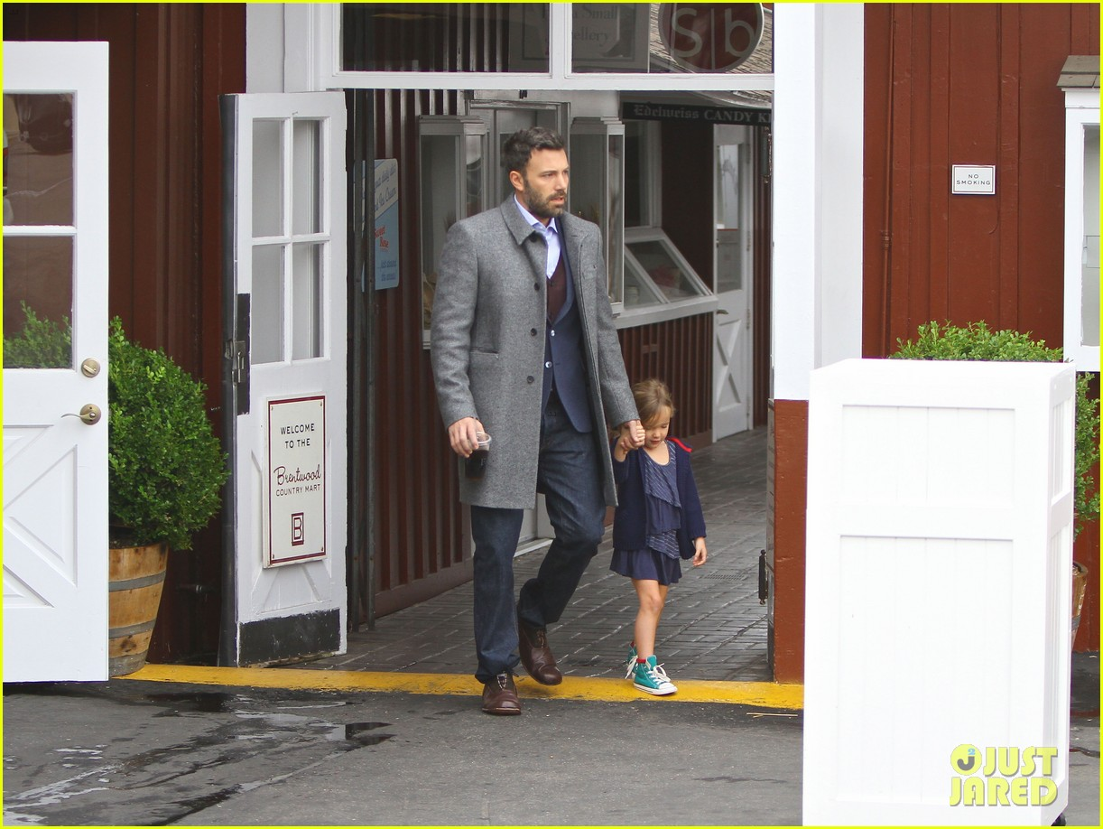 jennifer garner ben affleck separate coffee outings 102752897