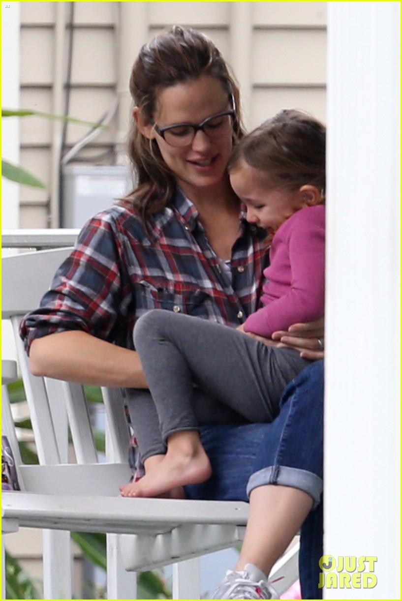 ben affleck visits jennifer garner kids new orleans 092764295