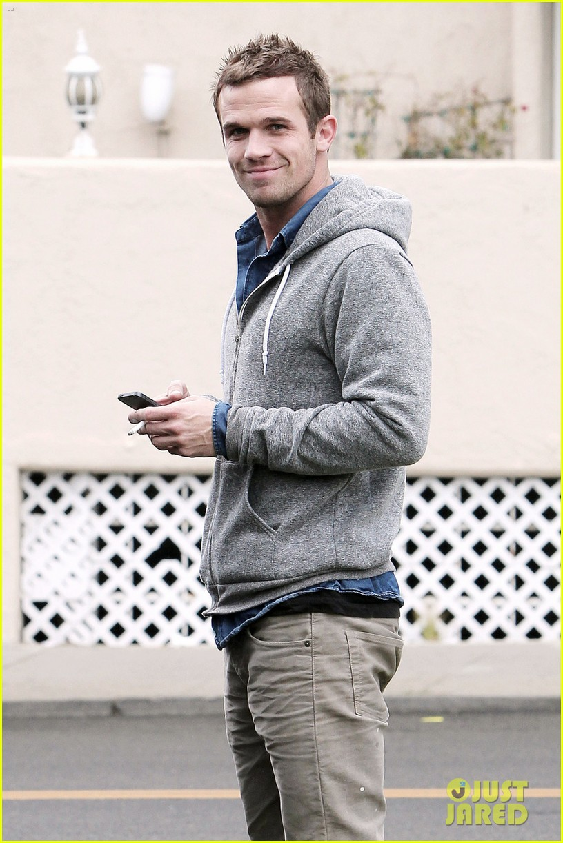 cam gigandet all smiles in santa monica 04