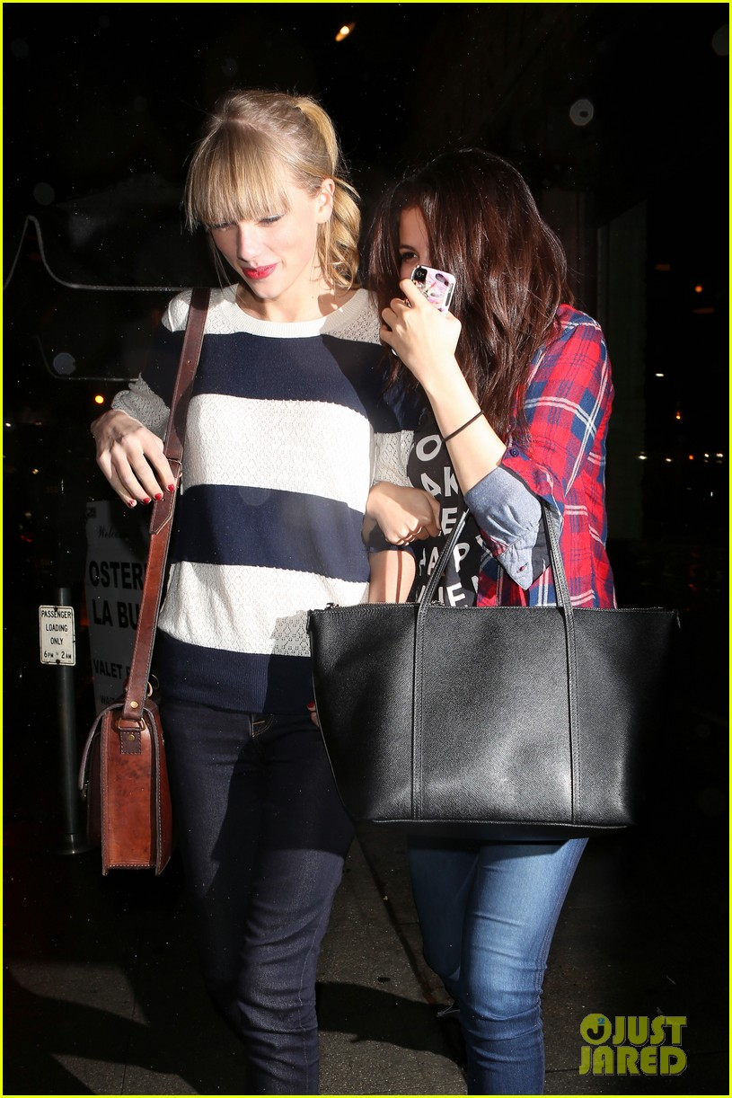 selena gomez taylor swift saturday night dinner duo 052759812