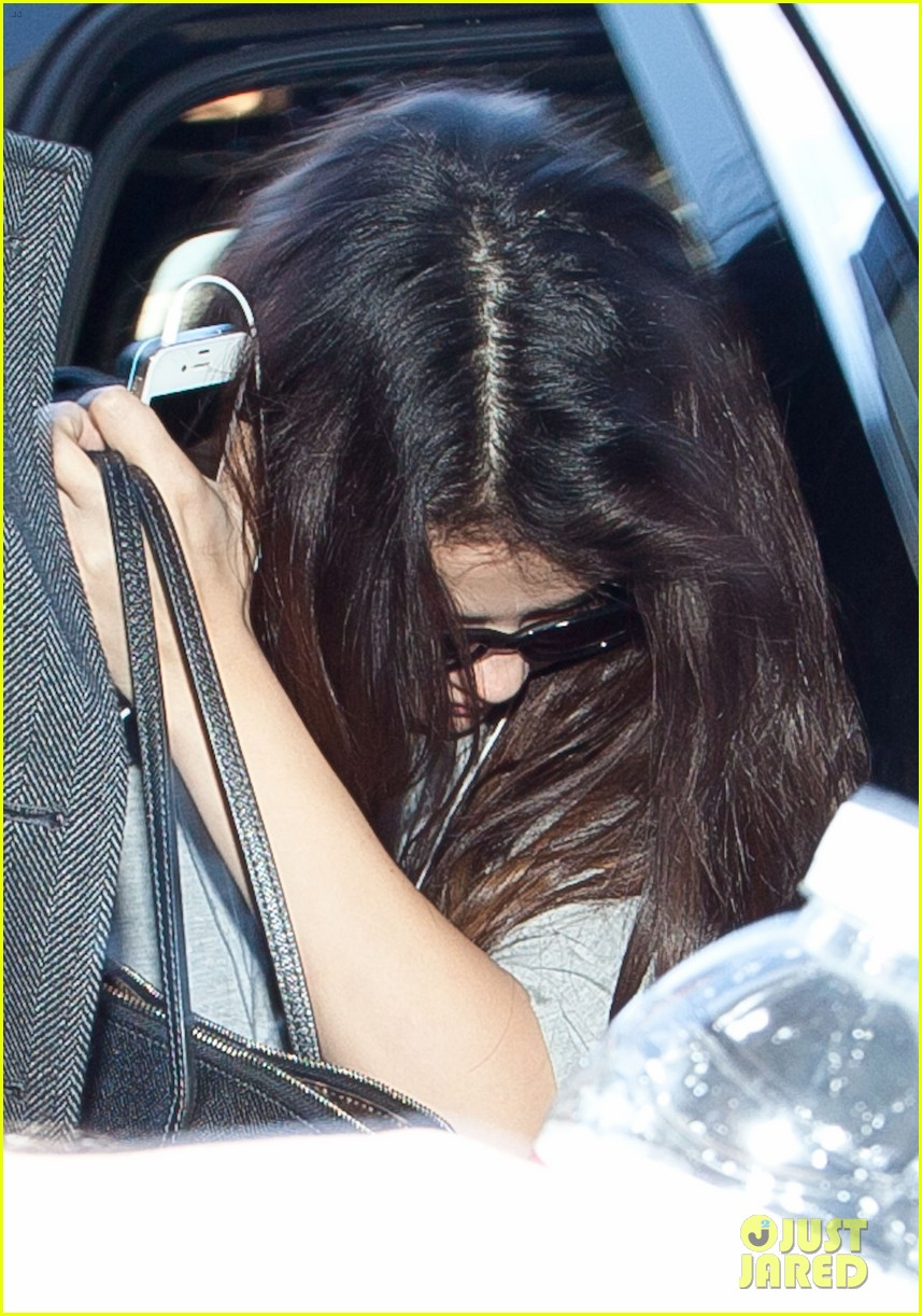 selena gomez flight post justin bieber split 072754925