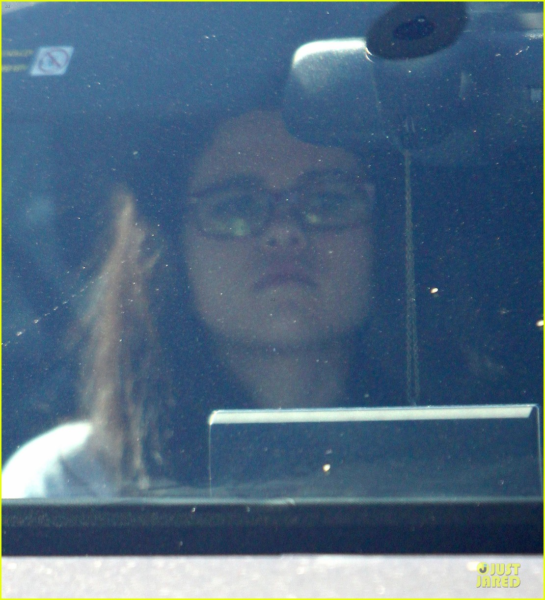 selena gomez vet stop with mother mandy 16