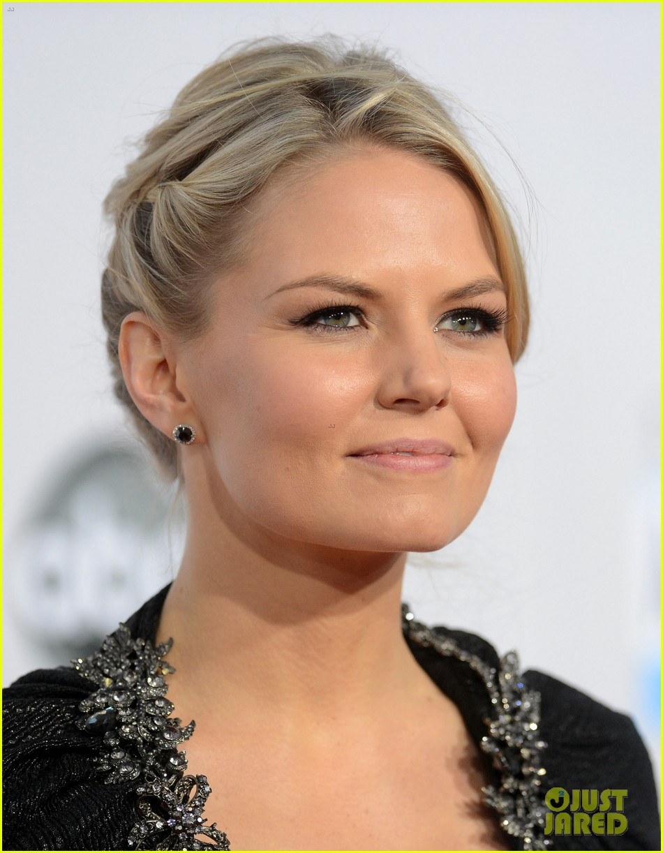 ginnifer goodwin jennifer morrison amas 2012 red carpet 10