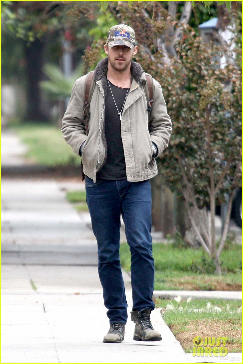 ryan gosling eva mendes visit friends separately 092766396