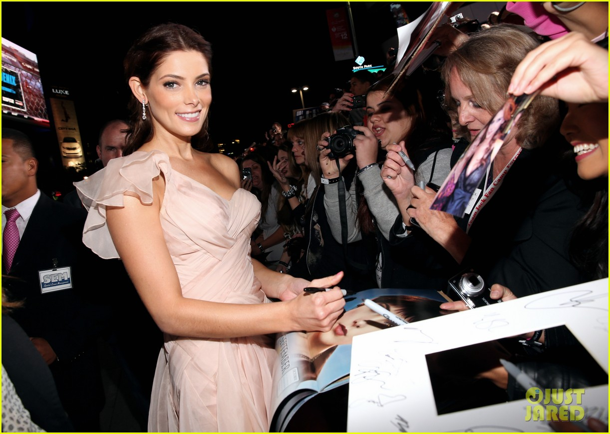 ashley greene twilight breaking dawn part 2 premiere 072756205