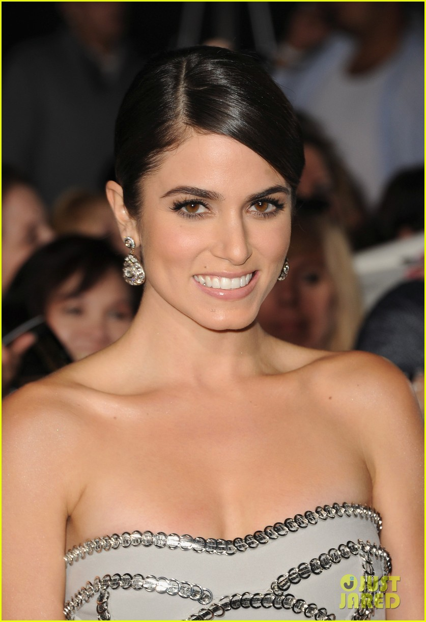ashley greene twilight breaking dawn part 2 premiere 21
