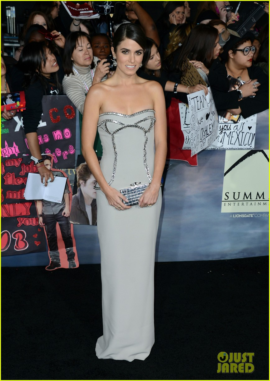 ashley greene twilight breaking dawn part 2 premiere 24