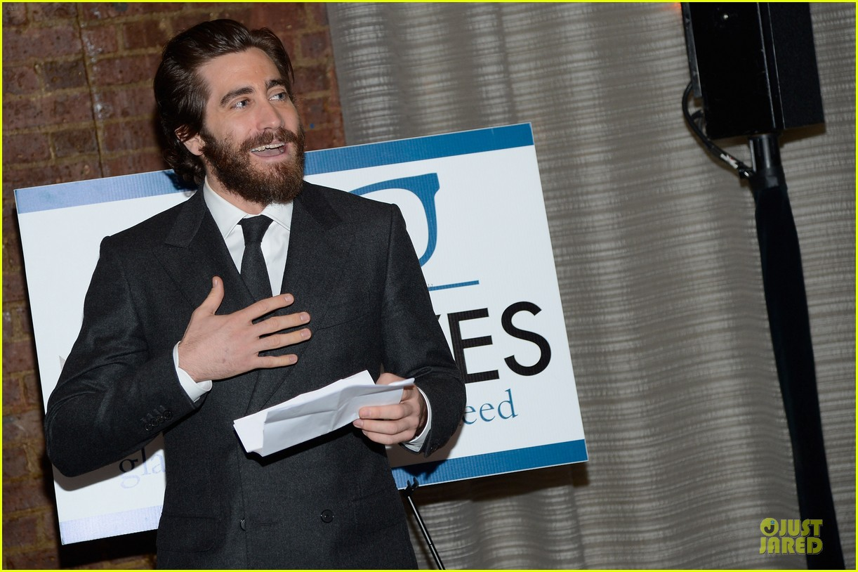 jake gyllenhaal new eyes for the needy gala honoree 10