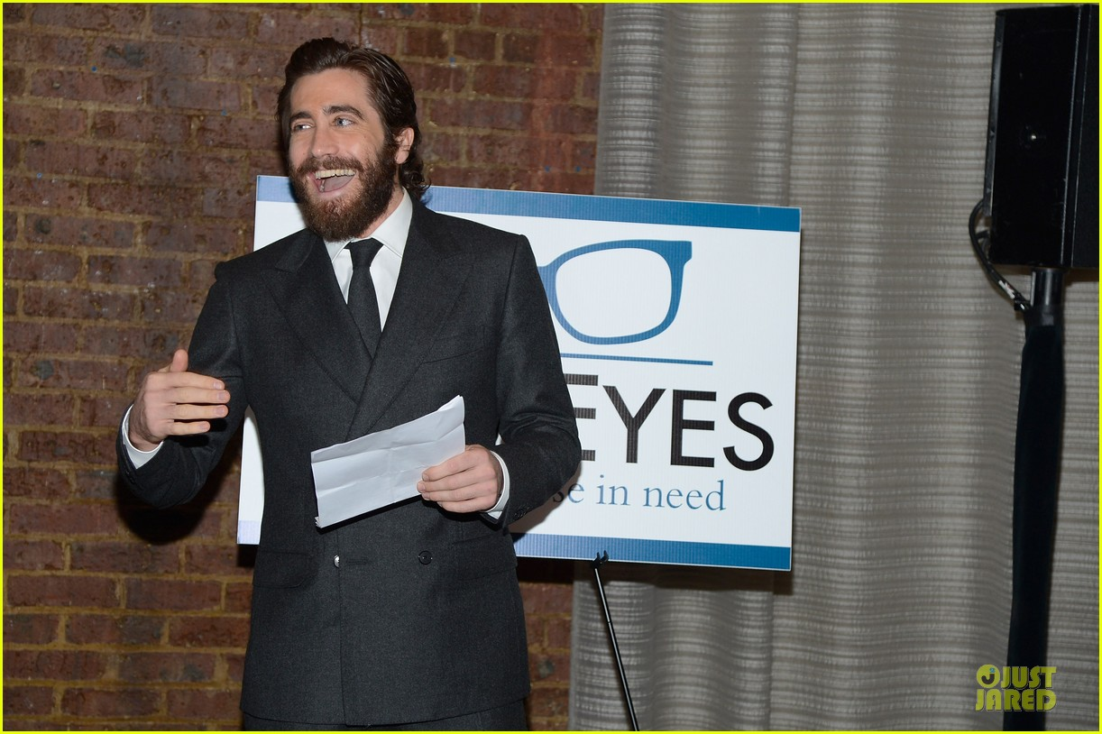 jake gyllenhaal new eyes for the needy gala honoree 12