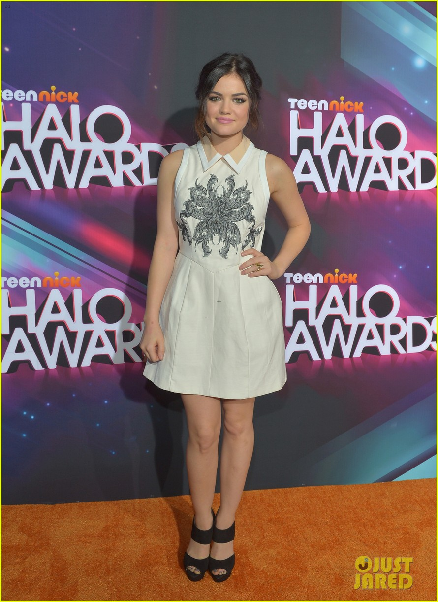 lucy hale victoria justice teennick halo awards 2012 07