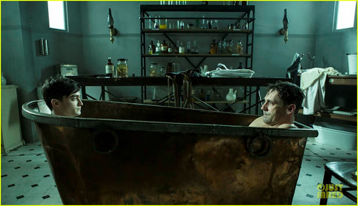 jon hamm shares bathtub with daniel radcliffe 05