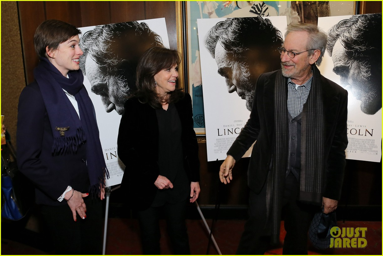 anne hathaway lincoln screening with steven spielberg 082757774