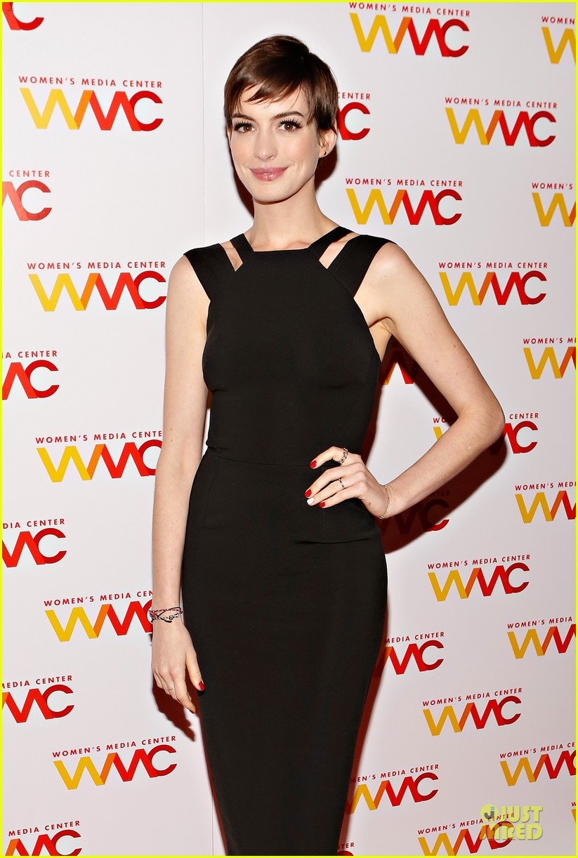 anne hathaway womens media awards 07