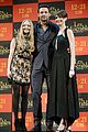 anne hathaway amanda seyfried les miserables in tokyo 01