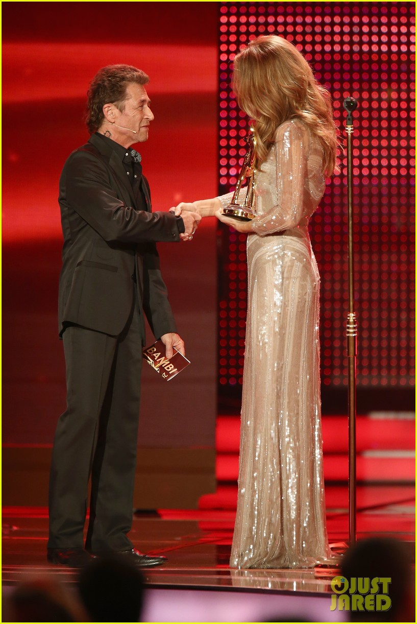 salma hayek celine dion bambi awards 2012 122762690