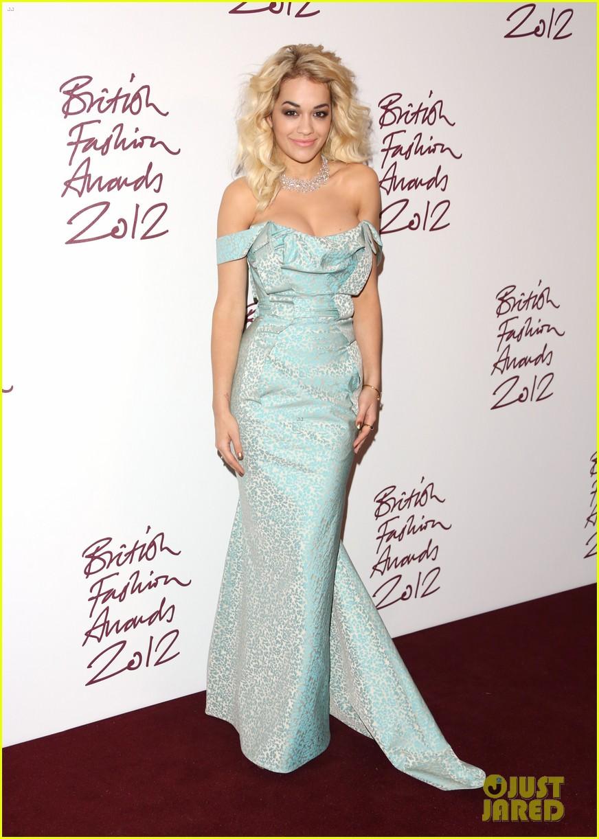 salma hayek rita ora british fashion awards 2012 192764772