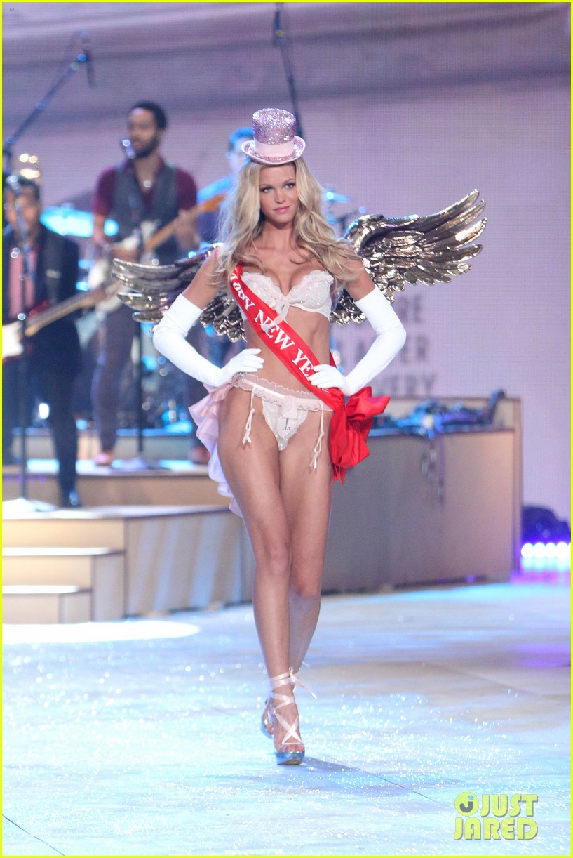erin heatherton behati prinsloo victorias secret fashion show 2012 172753133
