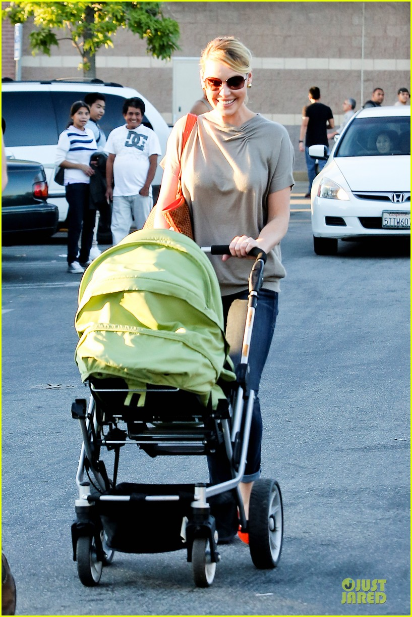 katherine heigl josh kelley naleigh birthday party shopping 042763125