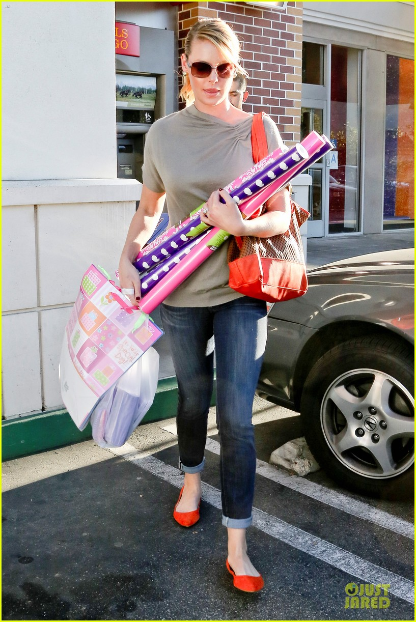 katherine heigl josh kelley naleigh birthday party shopping 10