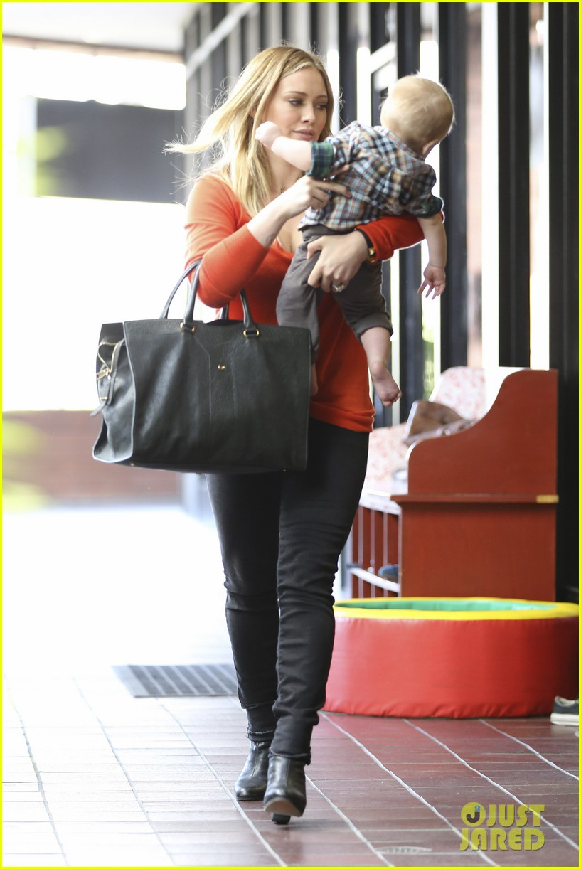 hilary duff its beginning to look like christmas 25