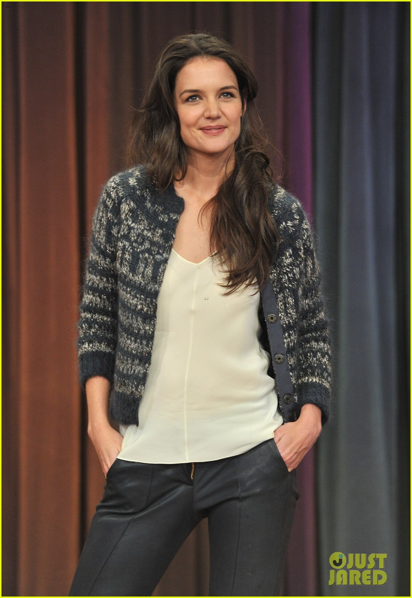 katie holmes plays charades on late night with jimmy fallon 06