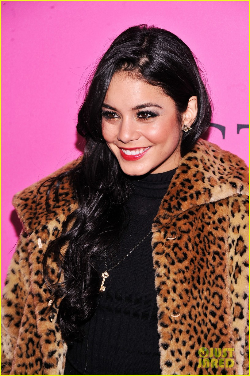 vanessa hudgens victorias secret fashion show 2012 10