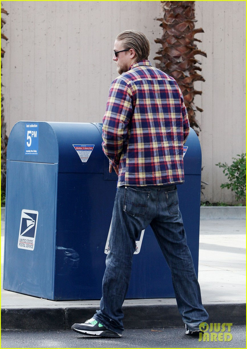 charlie hunnam post office stop 07