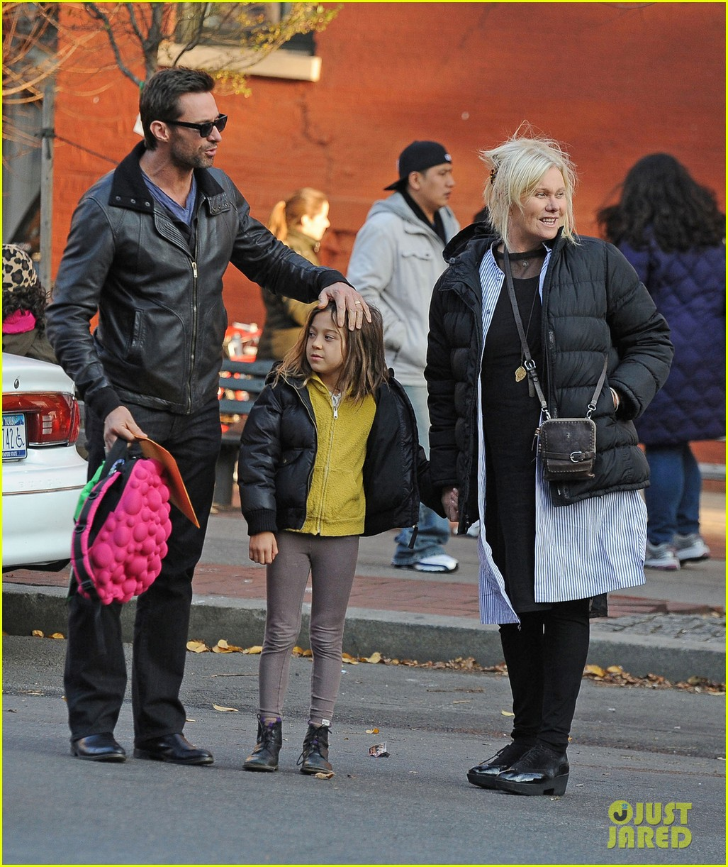 hugh jackman family cab ride 01