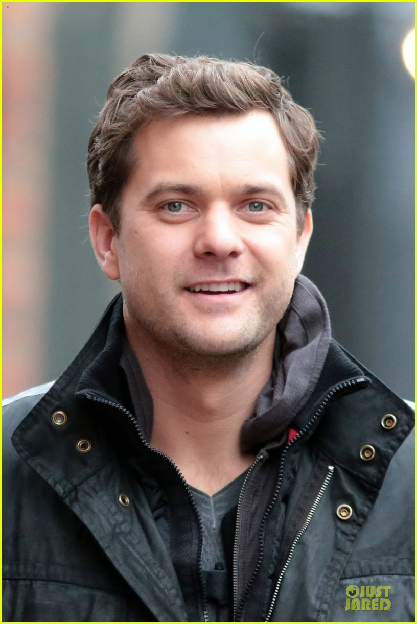 joshua jackson my fringe character abandons loved ones 10