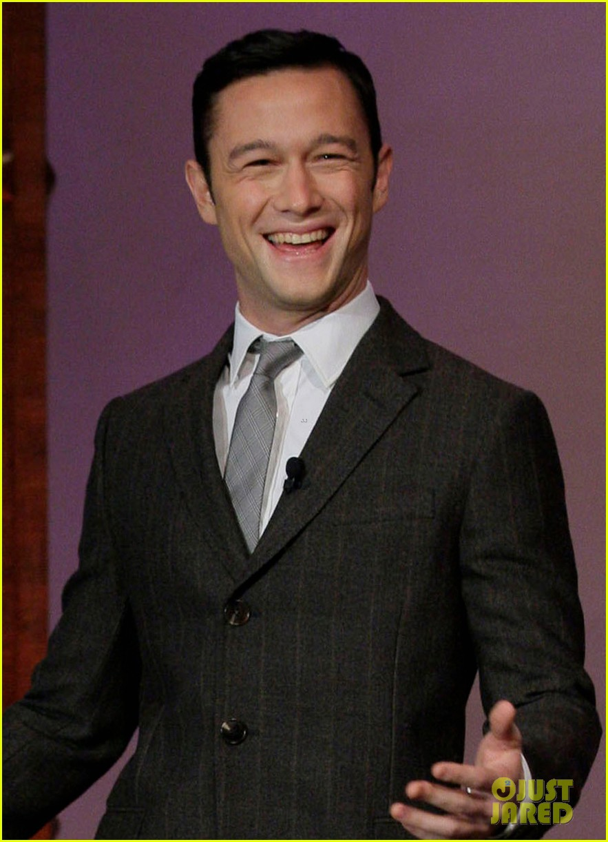 joseph gordon levitt channing tatum loved my magic mike snl sketch 01