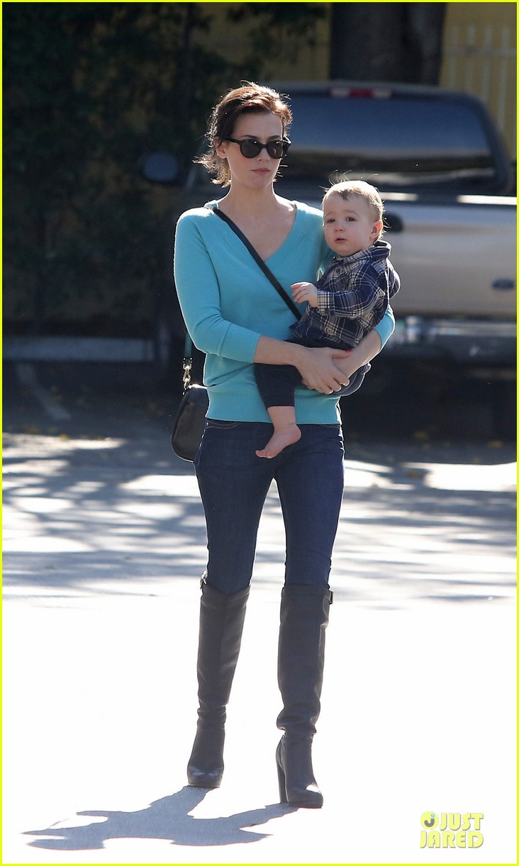 january jones brunette beauty in pasadena 102760947