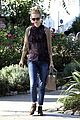 january jones cecconis lunch with friends 13