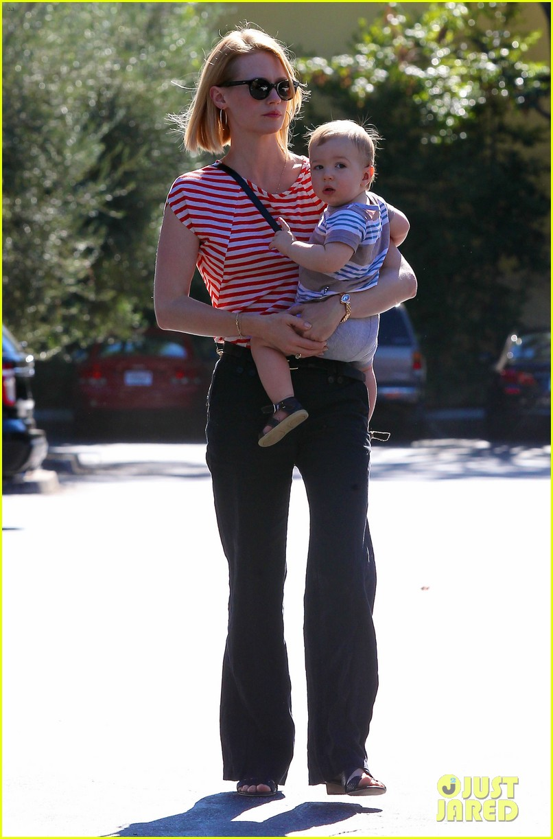 january jones election day voter 11