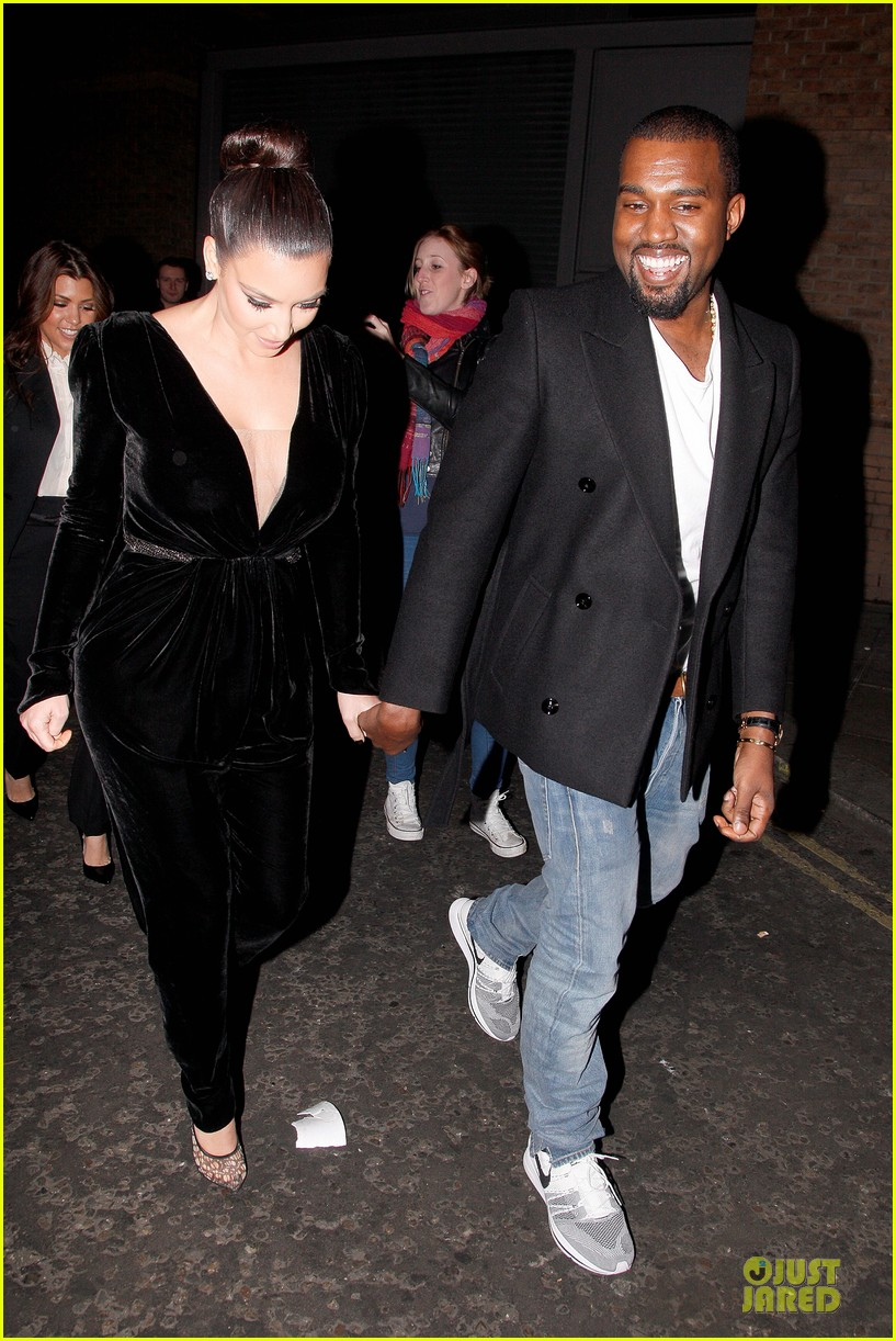 kim kardashian kanye west dinner date with sisters 03